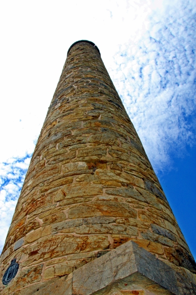 monument010
